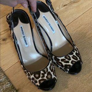 Manolo blahnik leopard print sling back heels 38